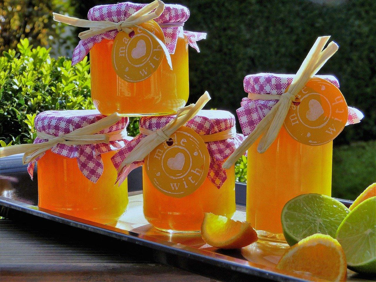 locally-produced-honey-in-jars